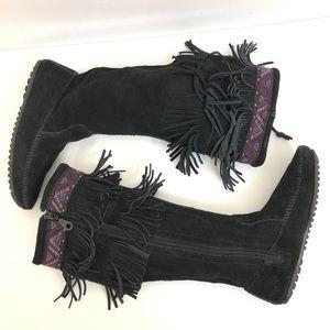 Minnetonka   Black leather fringe boots